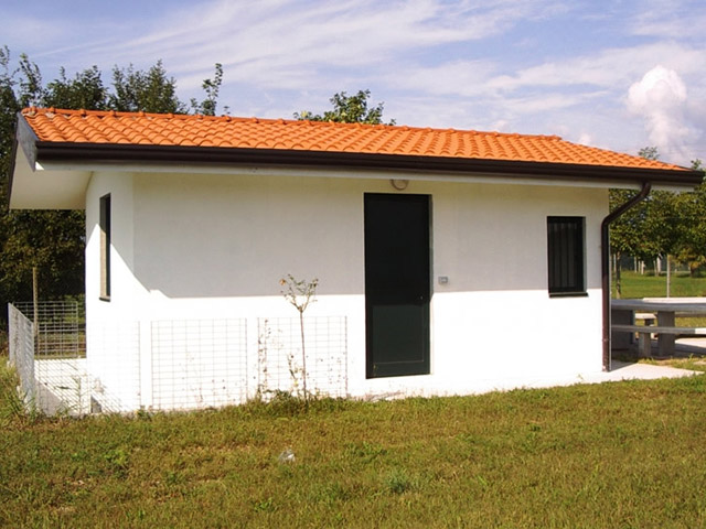 Box uso garage deposito attrezzi e cantina aldo babuin for Garage con deposito